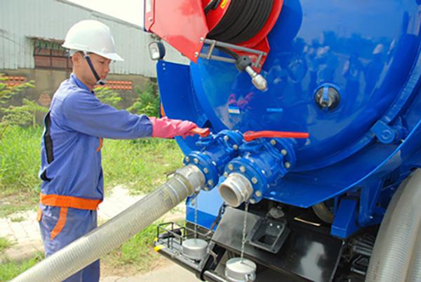 Xe thông cống nghẹt Bình Dương phục vụ công trình lớn